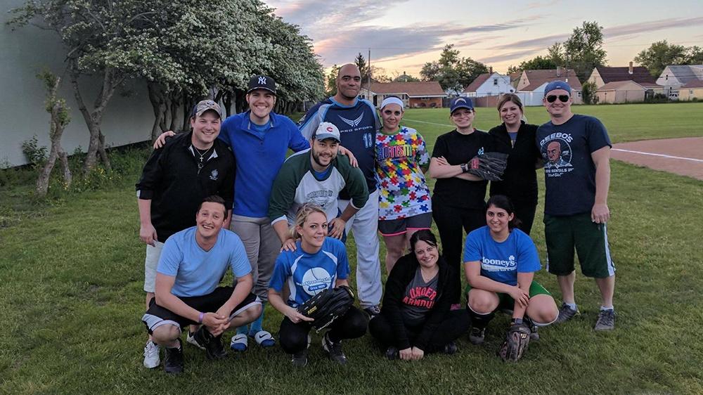 Mainstreethost Softball Team